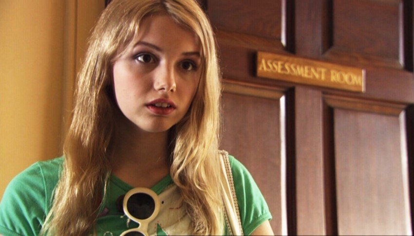 1x02-Cassie-sid-and-cassie-5994327-1600-900
