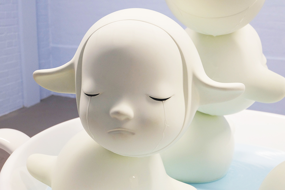 sculpture_crying